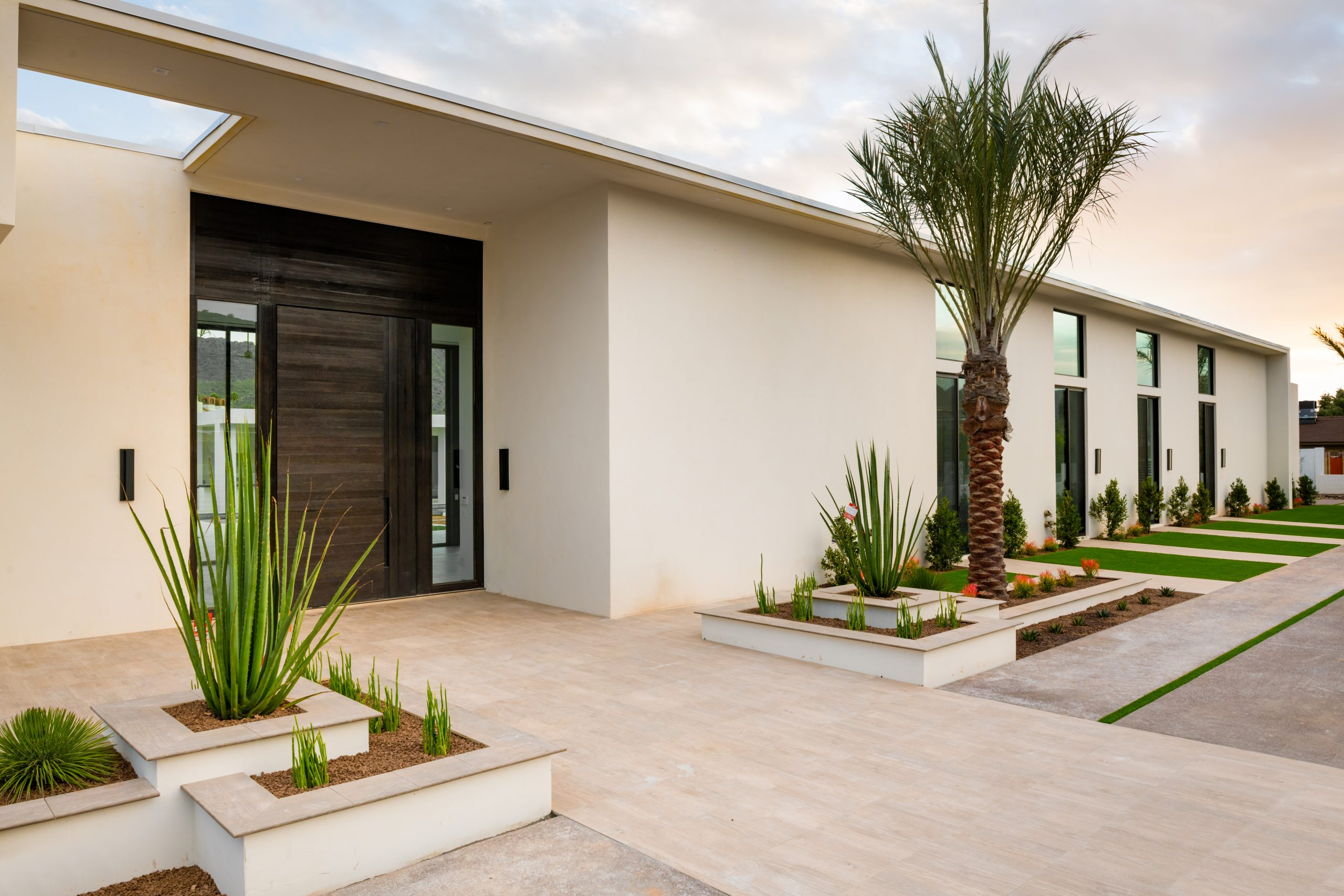 Redwing Estate Frontyard