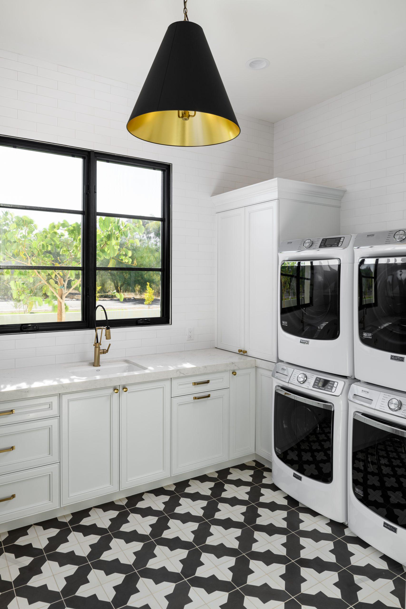 Sapphire Estate Laundry Room